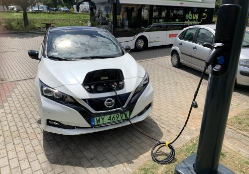 Is it possible to accelerate the development of electric vehicle charging infrastructure?